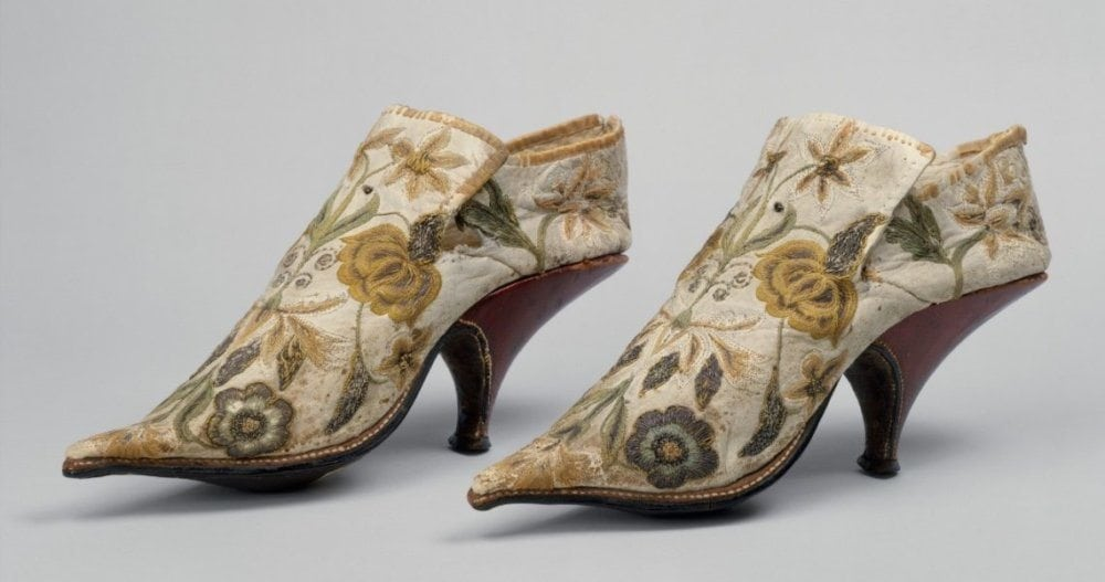 1690-1700, FRENCH, SILK AND LEATHER MEN'S SHOES. ALL PHOTOS COURTESY OF THE METROPOLITAN MUSEUM OF ART