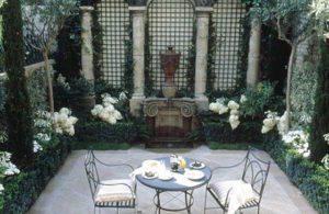 Trellis Courtyard